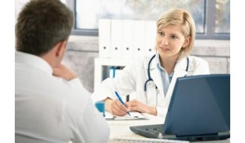 Lekár by mal ošetrovaného informovať o zmluve s poisťovňou