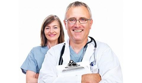 V centrách budú lekári denne