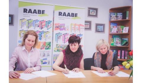RAABE, EXPOL PEDAGOGIKA a Združenie učiteľov chémie podpísali memorandum o spolupráci