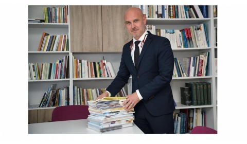 Ministerstvo otvorilo trh s učebnicami, školy dostanú na ich nákup 11 miliónov eur