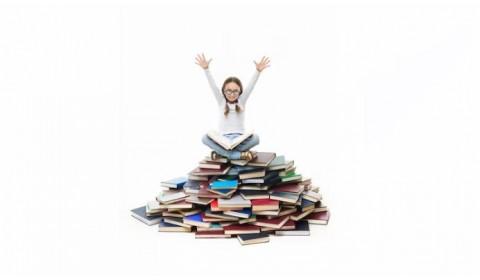 Ministerstvo hovorí o otvorenom učebnicovom trhu, robí opak