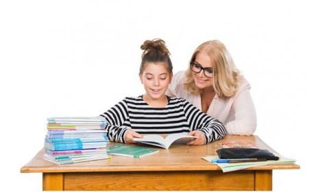 RAABE rozdalo školám cudzojazyčné knihy
