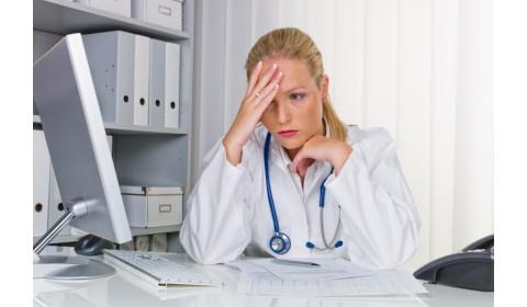 Lekári hlásia dlhé výpadky eZdravia. Podľa štátu trpí na starý hardvér