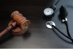 Lekári porušujú zákon. Už dva mesiace