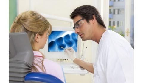 Štvrtina lekárov a každý tretí zubný lekár v SR má viac ako 60 rokov